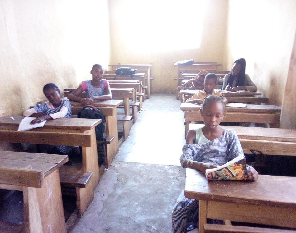 Le décrochage scolaire vide les classes (c) Boubacar Barry