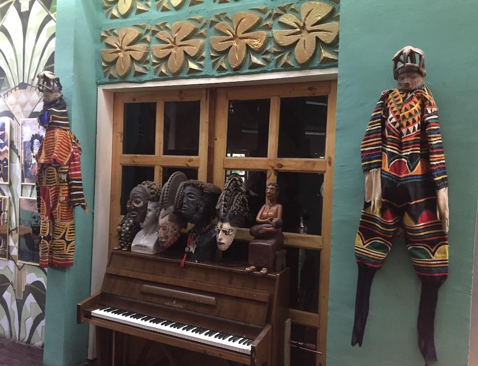 Le hall d'entrée du Bushman en Côte d'Ivoire (c) Laurence Marianne-Melgard