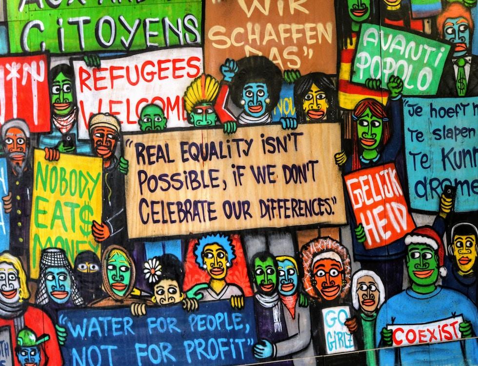 Changer son regard sur les personnes réfugiées. Crédit photo: Matteo Pagane @Unsplash