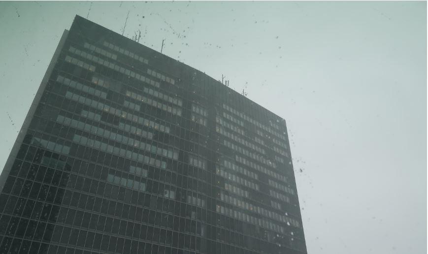 """""""Cubes"""" - Bâtiment typique de bureaux dans un quartier d'affaires. Photo (C) Diana YT"""