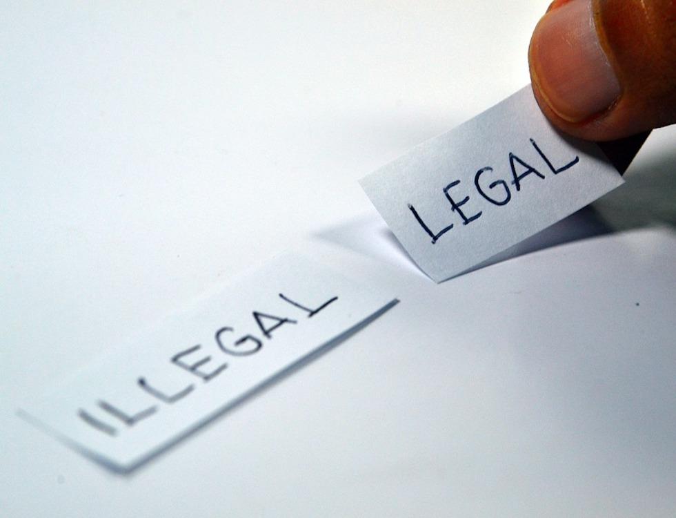L'auteur d'un acte de « revenge porn » peut être cité devant un Tribunal Correctionnel et encourir une peine de prison. (C) Ramdlon