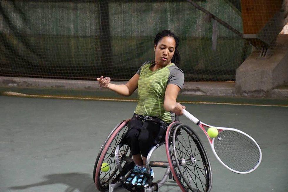 Pauline Hélouin, championne de France de para-tennis 2012 se prépare aux prochains Jeux Paralympiques (2024) en s'entraînant plus de dix heures par semaine (c) P. Hélouin