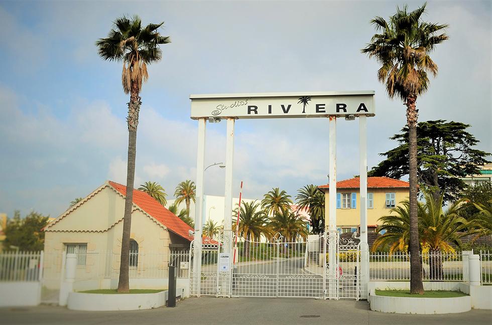 L'entrée des studios de la Victorine. Avec des palmiers, comme à... Hollywood. Photo (c) Olivier Strecker