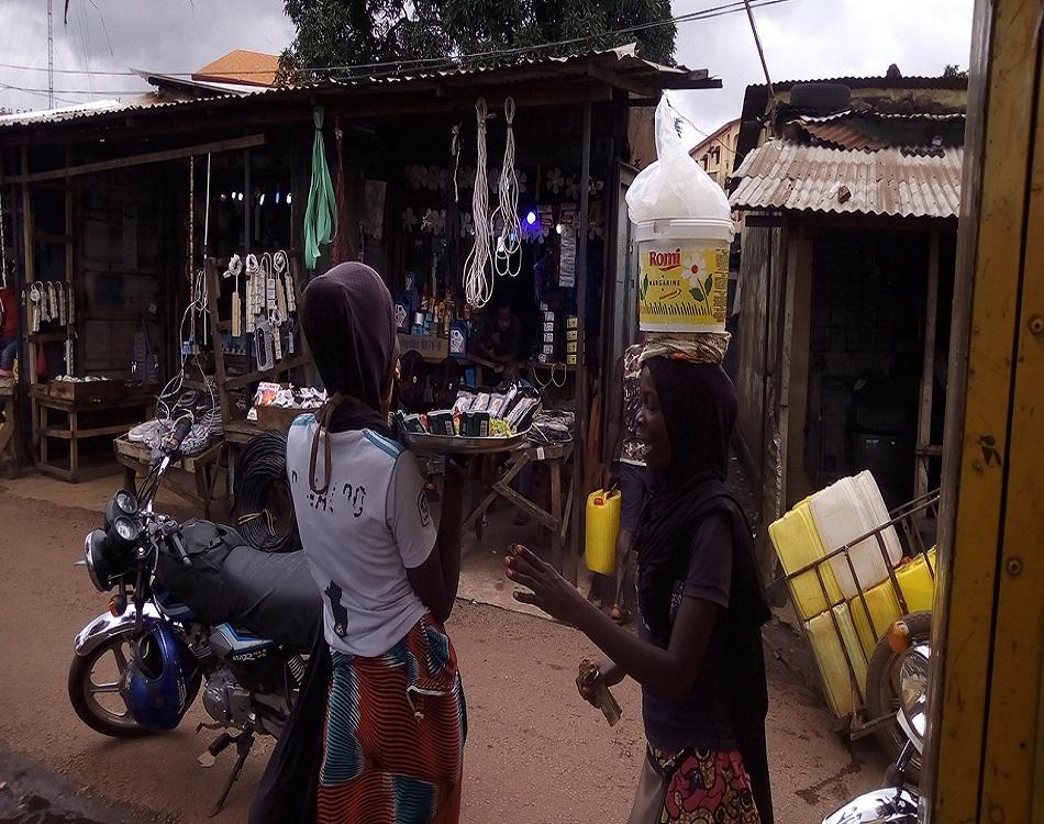 Très peu de filles refusent le choix de la famille, celles qui le font se retrouvent le plus souvent à la rue (c) Boubacar Barry