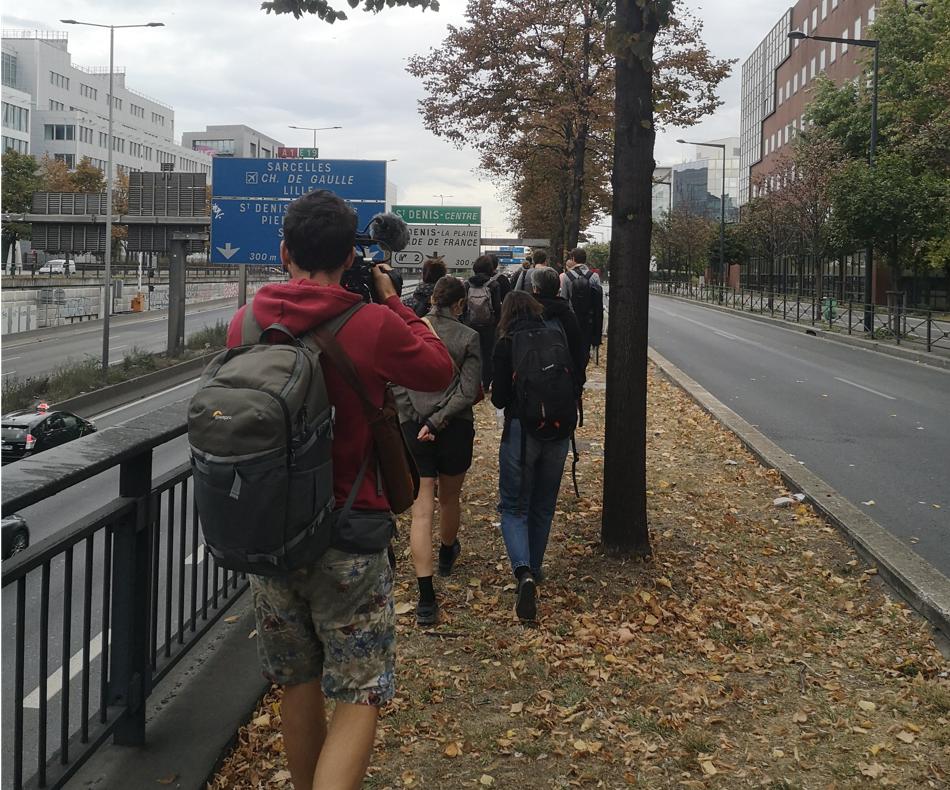 Pollution sonore, visuelle mais surtout atmosphérique, générées par l'A1 en Seine Saint-Denis... Cette dernière justifie la surveillance étroite des particules d'air en temps réel par l'agence AirParif. / (c) E.V.