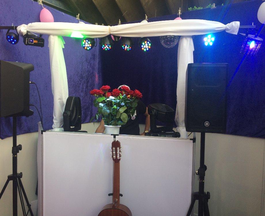 Un des stands de DJ présent à l'événement le salon du mariage à Nice (c) Pascale Luissint