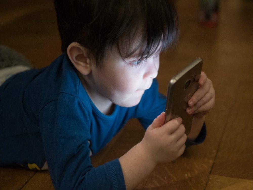 La surexposition des écrans chez les enfants n'est pas sans conséquences (c) Andy Graf de Pixabay