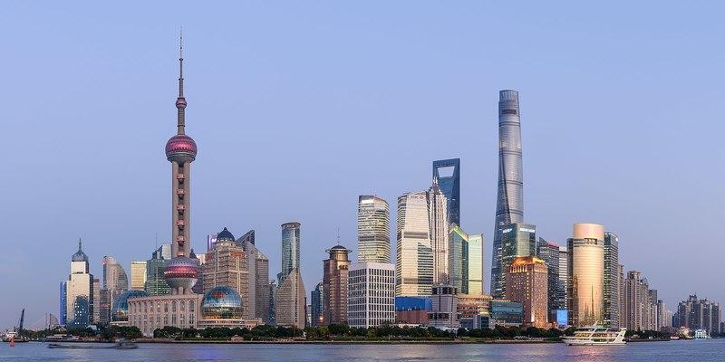 """Vue panoramique du quartier de """"Pudong"""" à Shanghai (c) Wikimedia Commons"""
