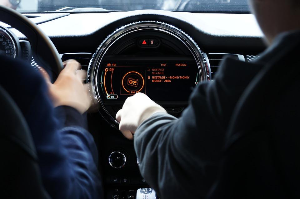 Grâce à une levée de fonds de 4 millions d'euros, Mercedes deviendra le premier groupe automobile à intégrer la technologie HAP2U à ses véhicules.(c) Pixabay