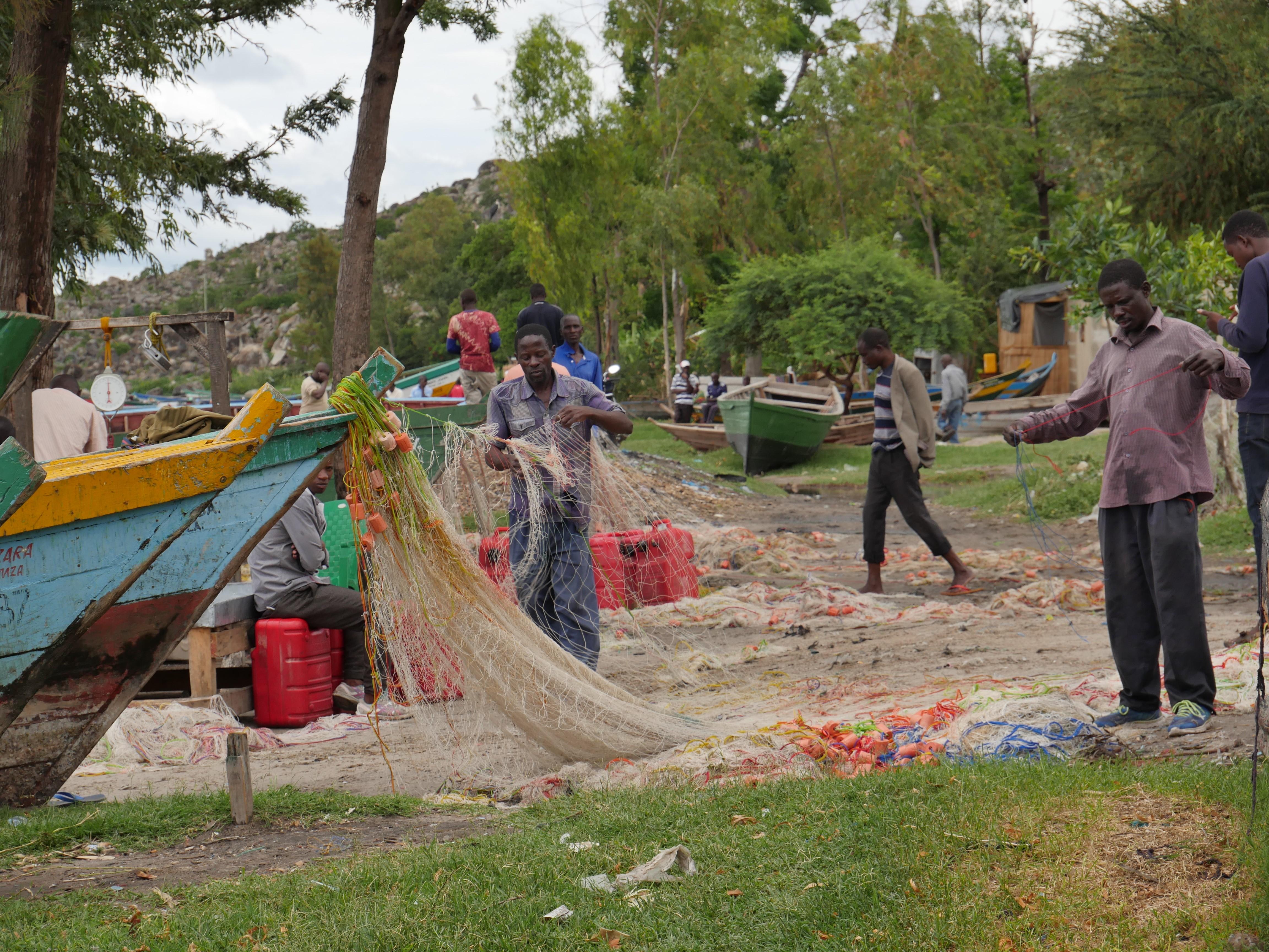 Lors de leur séjour, les jeunes ont pu découvrir la culture locale, et un mode de vie bien différent du leur notamment en allant à la rencontre des villageois d'Igombe. (c) BBB France