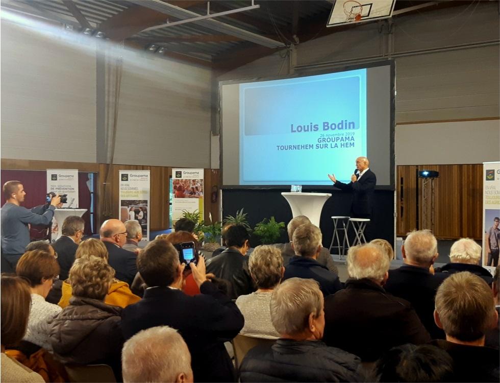 Louis Bodin lors de la conférence sur le climat à Tournehem-sur-la-Hem (c) Ophélie Duriez