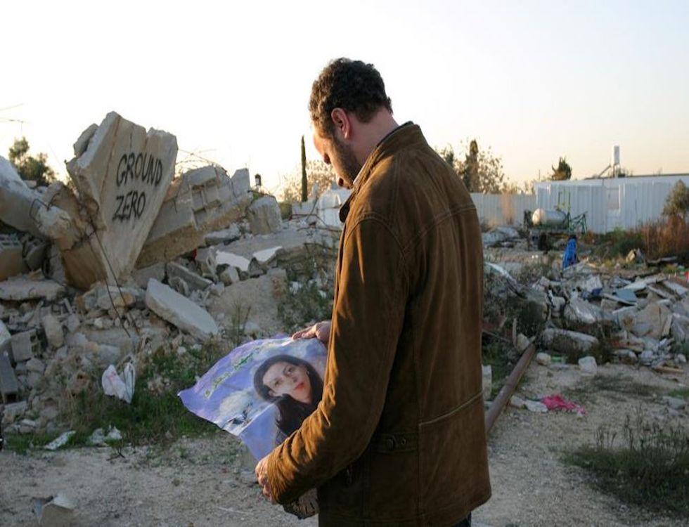 Amine menait son enquête en retournant sur les derniers lieux fréquentés par sa femme (C) Capture d'écran du film réalisé par Ziad Doueiri