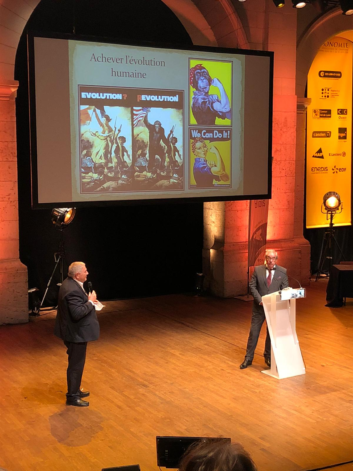 Pascal Picq invité aux Rendez-vous de l'histoire 2020, en compagnie de Yvan Saumet président de la CCI Blois (c) FVW