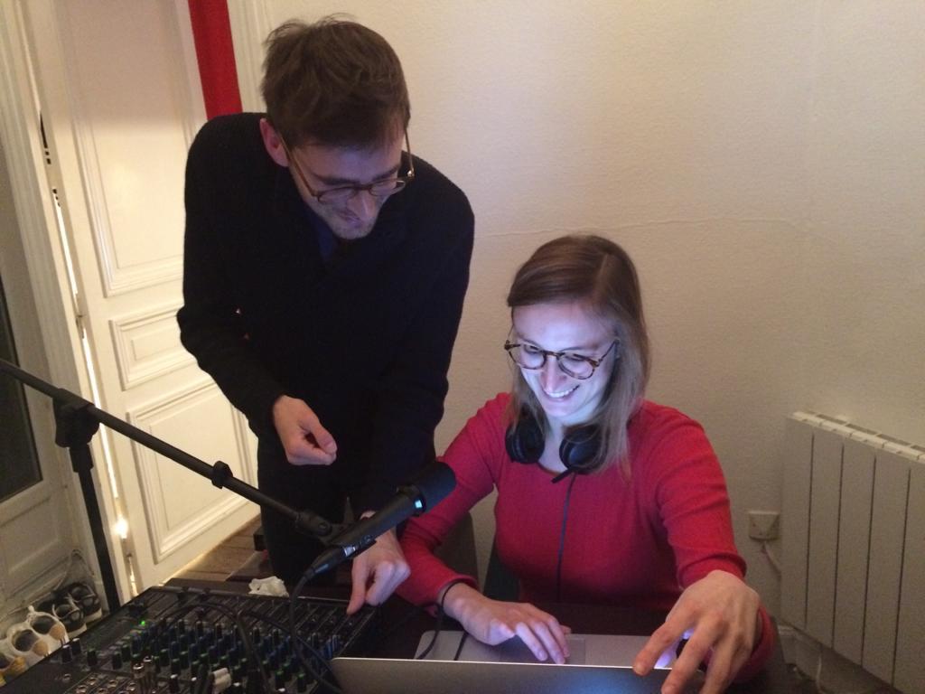 Antoine Hardy et Sarah Grau en studio/ © 20 minutes avant la fin du monde