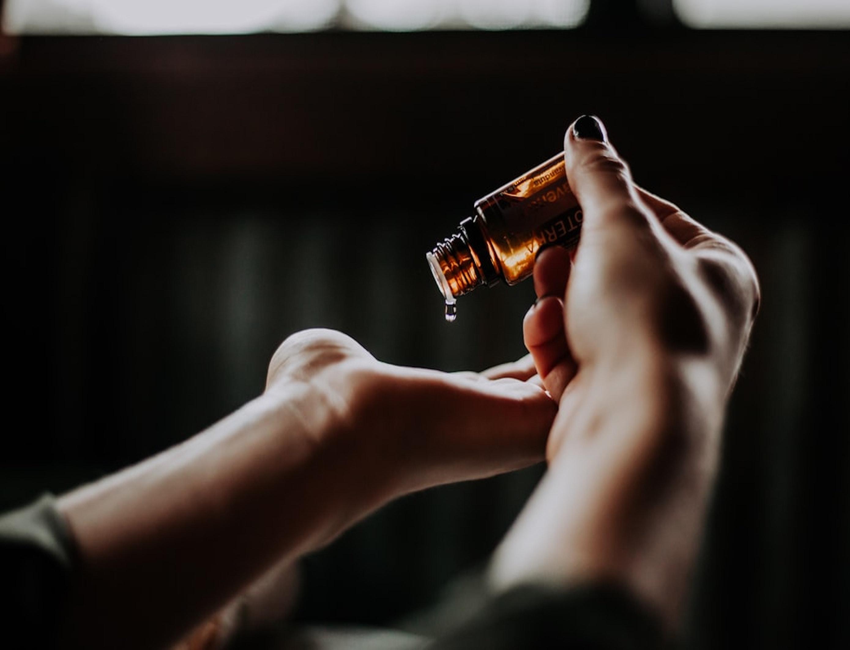 L'huile d'argan rend les cheveux plus doux et plus brillants (C) Christin Hume