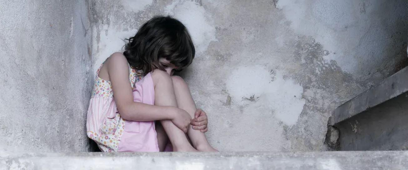 Les traumatismes vécus dans l'enfance modifient l'expression des gènes. Shutterstock