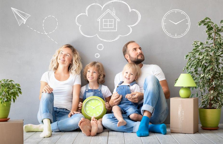 D'une certaine manière, les ouvrages sur l'éducation et la parentalité s'inscrivent dans la vogue du développement personnel. Shutterstock