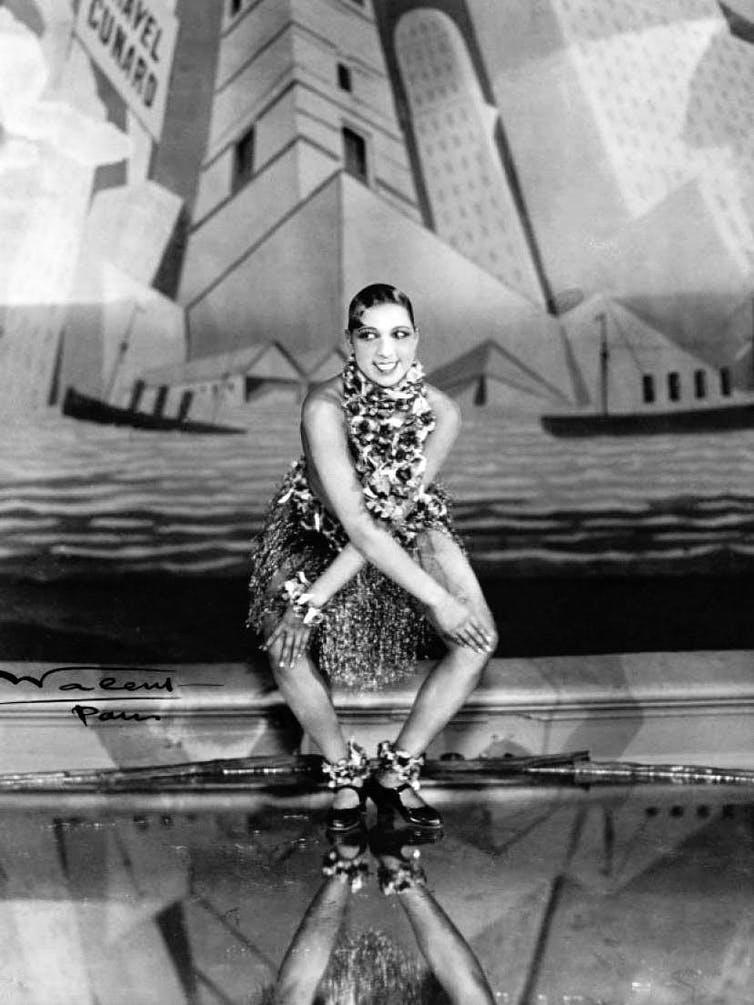 Joséphine Baker dansant le charleston aux Folies-Bergère, à Paris – Revue Nègre Dance (1926). Wikimedia