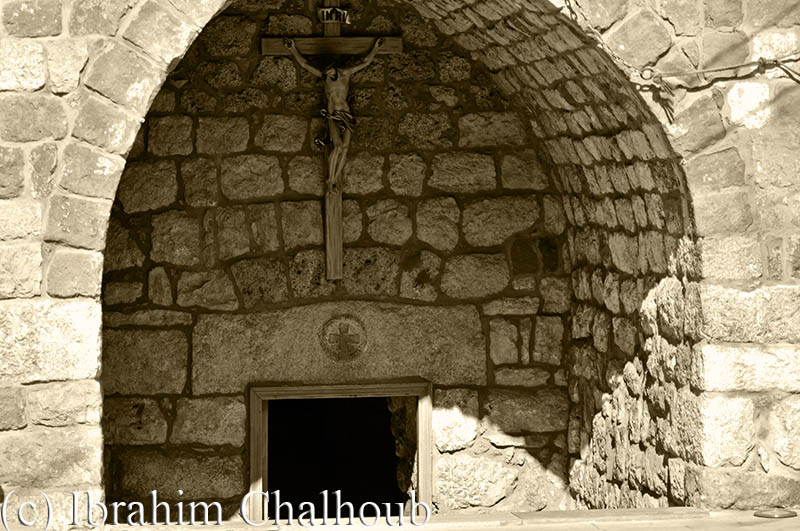 L'église avant la route! Photo (C) Ibrahim Chalhoub