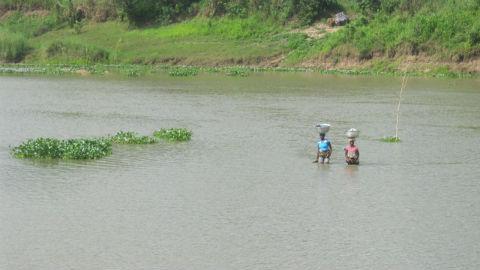 Des femmes du village de Houèdo-Wo en période d'inondations. Photo: AT