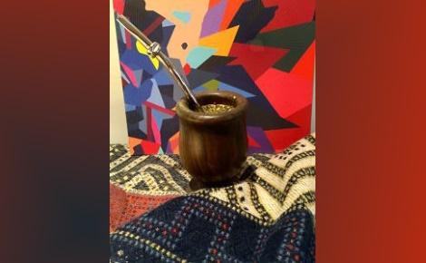 Le mate traditionnel et sa bombilla. Photo (c) Marie-Rachel Aparis. Cliquez ici pour en savoir plus sur le mate