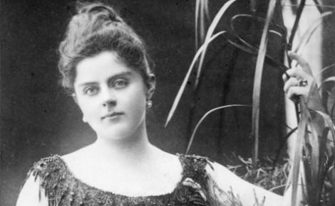 Mary Vetsera en 1887.