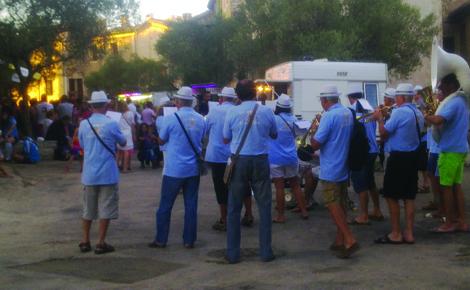 Pas de fête de village sans fanfare. Photo (c) Giret