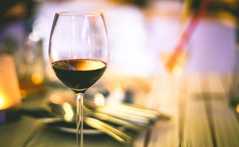 Verre de vin rouge. Photo © Picjumbo