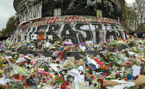 Paris, place de la République. Photo © Lynda Oumakhlouf