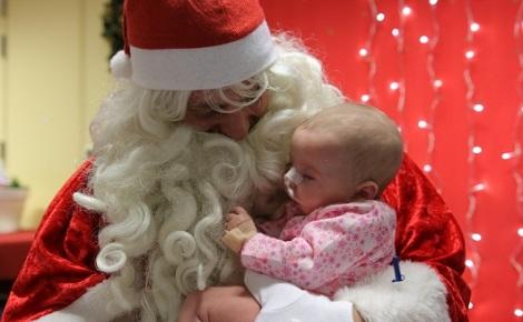 Cette année, Noël Magique souhaite offrir 25.000 euros de cadeaux aux enfants malades. Photo (c) Noël Magique