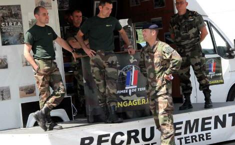 Opération de recrutement de l'armée de terre. Photo © Maxppp