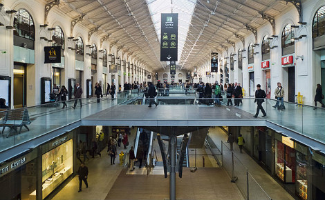 Hall de la gare Saint-Lazare à Paris. Photo (c) Jean-Christophe Benoist