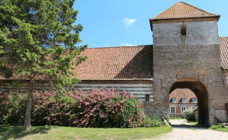 L'ex-Prieuré de Beaurain, Beaurainville. Photo (c) Jean-Claude Grenier