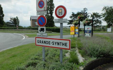 Panneau d'entrée dans la commune de Grande Synthe (c) Floflo62