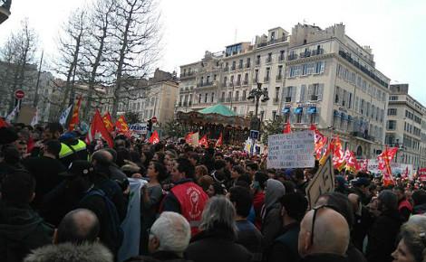 Les jeunes manifestent à Marseille le 9 mars 2016. Photo (c) SuperBenjamin