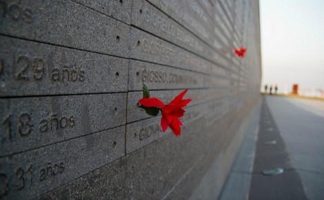 Au Parc de la Mémoire on célébrait, ce 24 mars, le 40e anniversaire du début de la dictature argentine. Photo (c) Gustavo Marquez Villegas