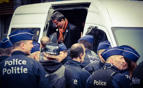 Arrestation d'Alexis Deswaef. Photo (c) MediActivista