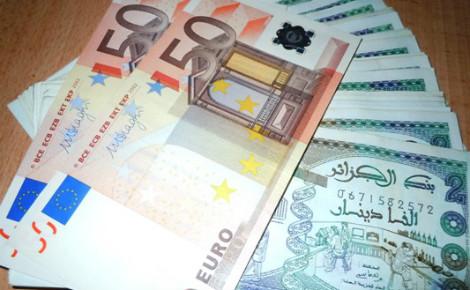 Le dinar continue à chuter face à l'euro
