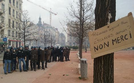 Manifestation contre le projet de loi El-Khomri, Lyon, 31 mars 2016. Photo (c) Alexandre Brutelle