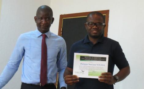 Les lauréats d'une formation sur la gestion des pesticides à Douala (Cameroun). Photo (c) Florence Esther