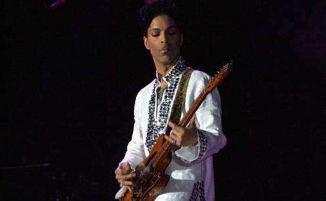 Prince au festival Coachella en 2008. Photo (c) Penner. Cliquez ici pour accéder à la page artiste