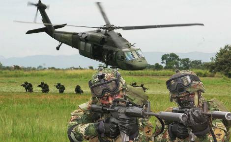 La guerre interne de Colombie compte plus de 260 000 morts, 45 000 disparus et 6,8 millions de déplacés. Image du domaine public.