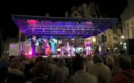 La formation de Nicolas Fourgeux a fait danser les Dijonnais. Photo (c) Sarah Belnez.