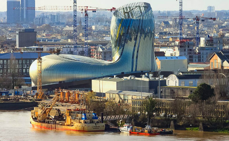 La Cité du vin en construction, bientôt achevée. Photo (c) P. Catalayu