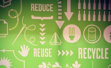 Réduire > Réutiliser > Recycler. Image du domaine public.