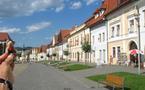 TOUR D'EUROPE EN AUTOSTOP - La rencontre du 6ème type à Bardejov