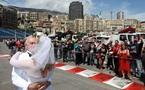 PEOPLE - Un ancien pilote du Grand prix de FORMULE 1 de Monaco se marie sur le circuit