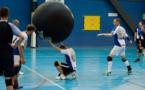Au kin-ball, un ballon d'essai géant