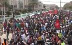 Burkina: drapeaux rouges dans les rues