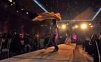 L'IMAGE DU JOUR – Danser dans l'ombre